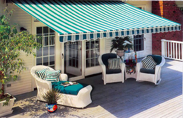 Residential retractable fabric awning by Goodwin-Cole.